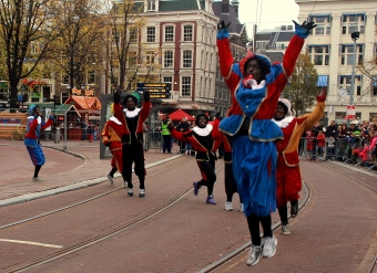Sint's band includes the Zwarte Pieten: